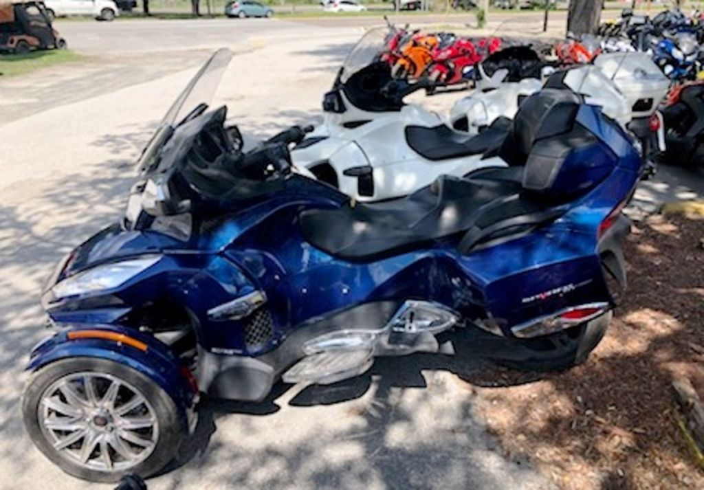 Pre-Owned 2016 Can-Am Spyder® RT Limited 6-Speed Semi-Automatic (SE6) 3-Wheel Motorcycle