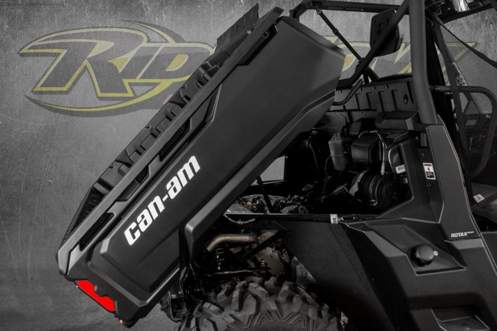 New 2020 Can-Am Defender DPS™ HD10 Hyper Silver Utility