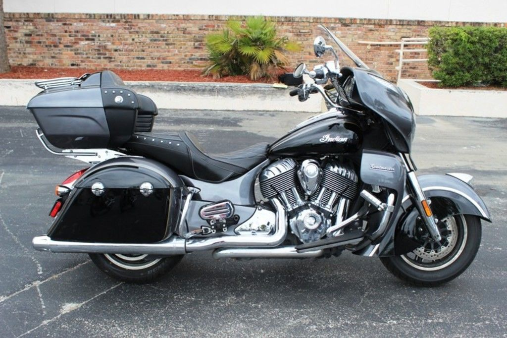 Pre-Owned 2016 Indian Motorcycle Roadmaster® Steel Gray and Thunder Black Touring